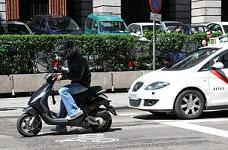 Treinta medidas para que no vuelvan a morir 8 motoristas en un año en Madrid